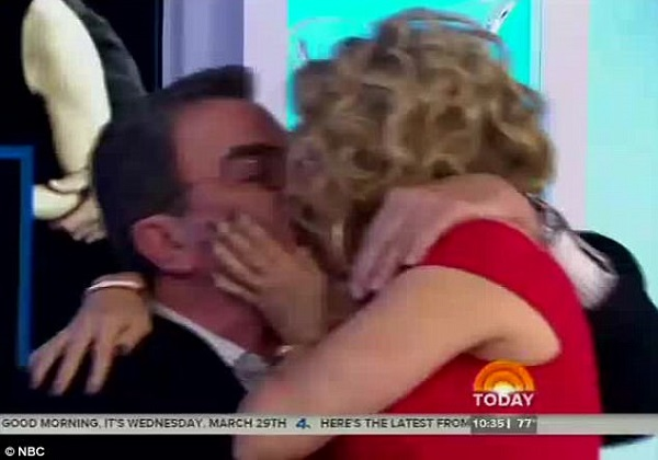 Kathie lee gifford and tom selleck recreate their on for How long has tom selleck been married