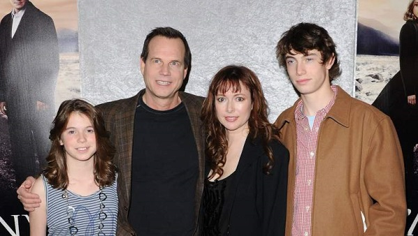 Source: Heavy.com (Bill Paxton with his family)