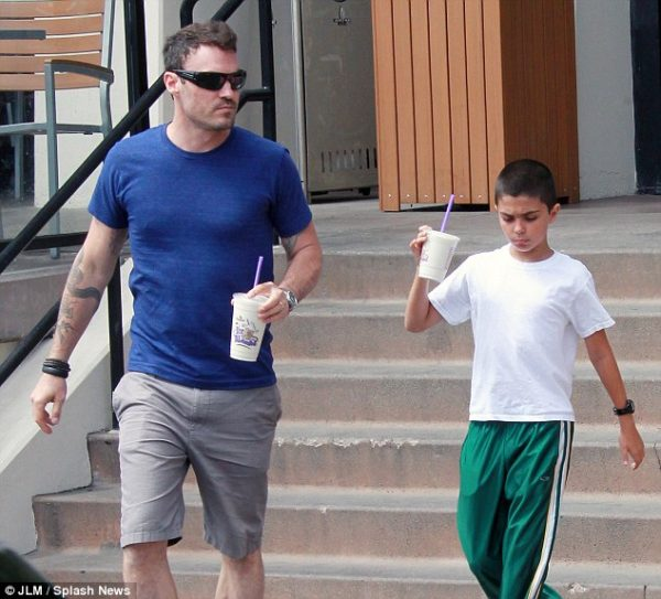 Source: Daily Mail (Brian Austin with his first son from Vanessa)