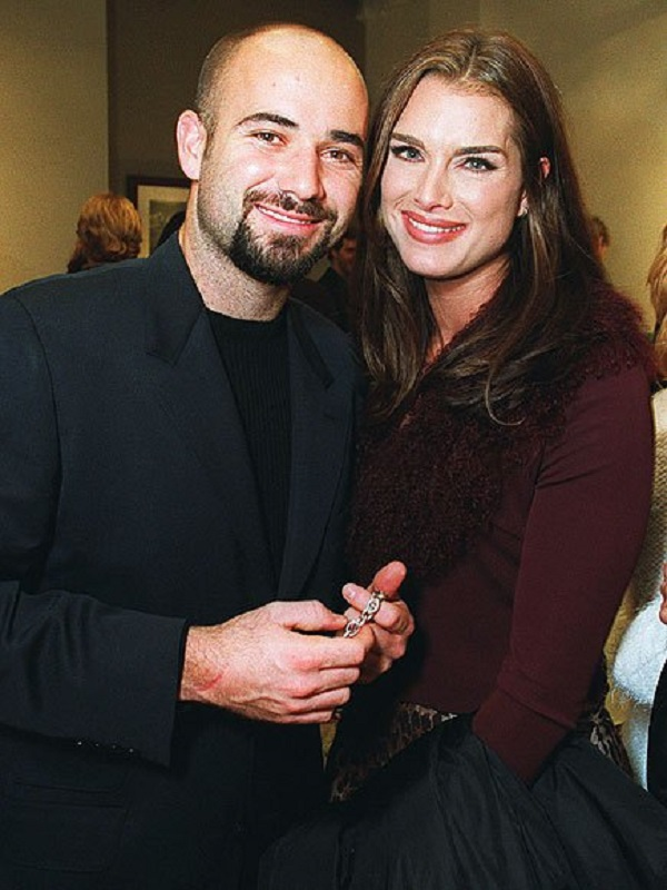 Source: Beimages (Andre Agassi and Brooke Shields)