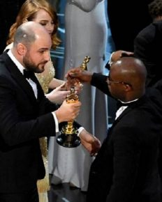 The most dramatic scene: Biggest Blunder in the history of Oscar Award…