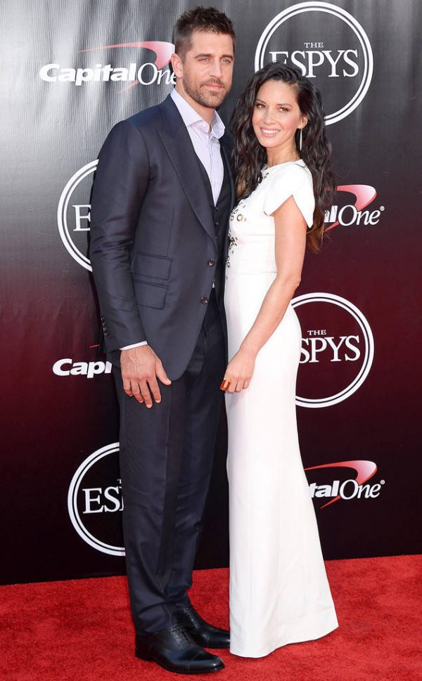 Olivia Munn And Aaron Rodgers Relationship Comes To An End There Is So Much To Read About Spicy Love Story Of This Couple Married Biography