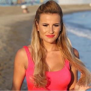 Cleavage Georgia Kousoulou  nude (61 photos), Snapchat, braless