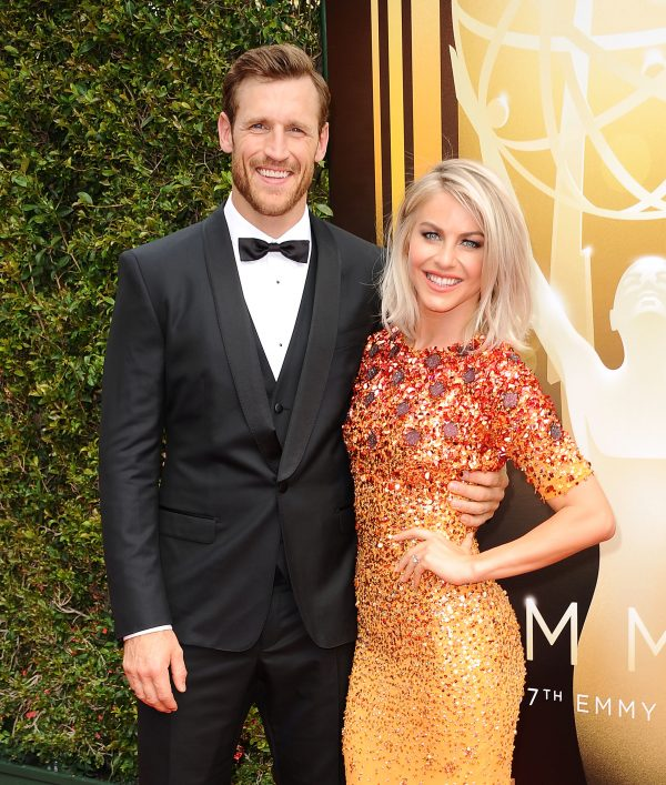 Source: Life & Style (Julianne Hough and Brooks Laich )