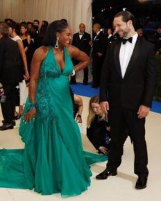American Professional tennis Player Serena Williams is Enjoying her vacation with Fiancee Alex Ohanian! Heads to the Beach After Revealing Pregnancy-20 Weeks!!