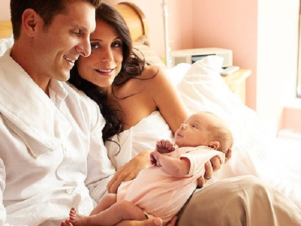 Bethenny Frankel with former beau Jason Hoppy and their daughter