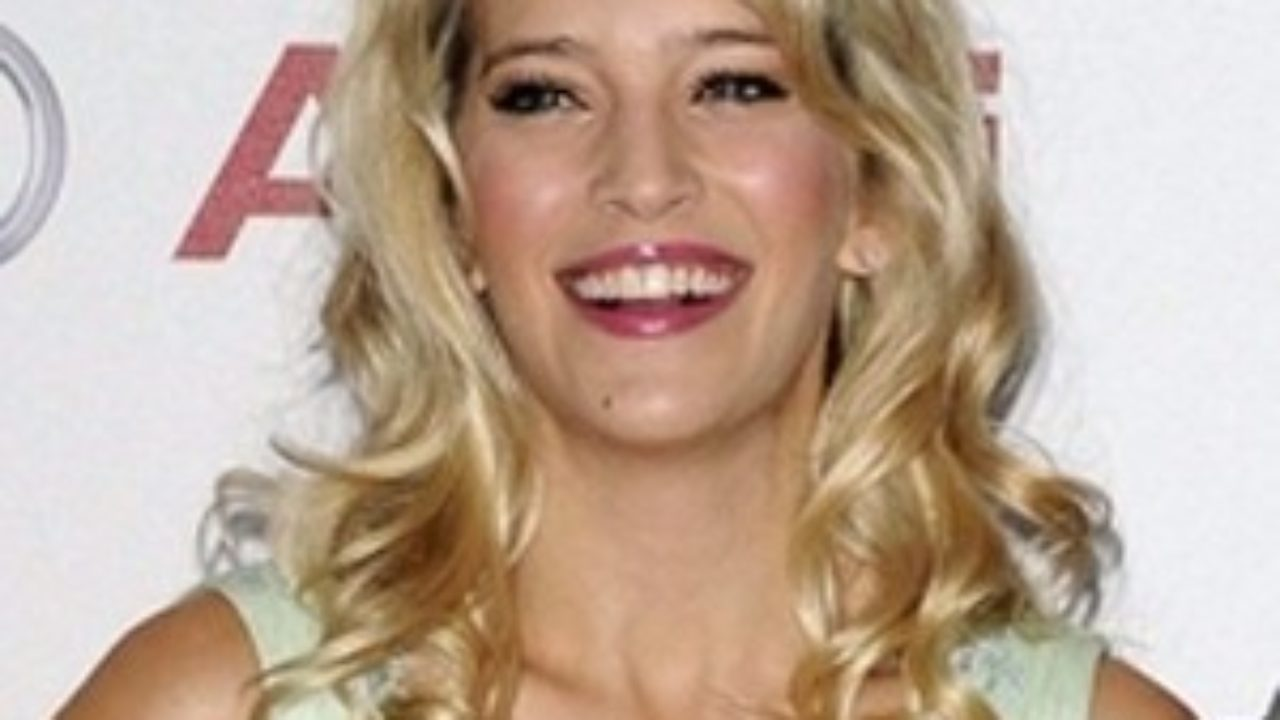 Andie Macdowell Bra Size luisana lopilato biography - affair, married, husband