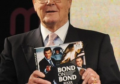 Sir Roger Moore is No more among us: James Bond Actor Dies of Cancer at the age of 89!!
