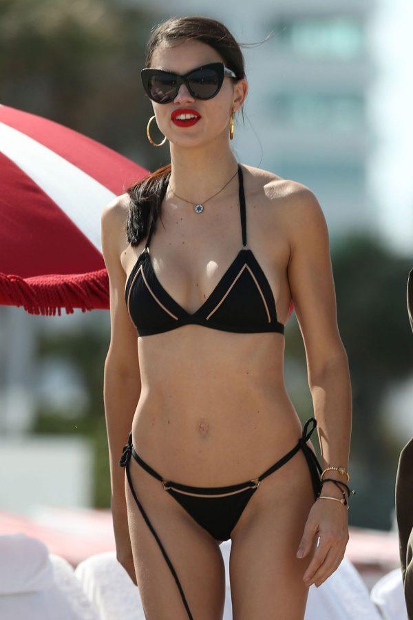 pictures-adriana-bikini-lima