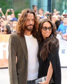 """Wife of Chris Cornell Wife Vicky Penned a heart-breaking letter for her Late Husband; Says""""I Know That Was Not You"""""""