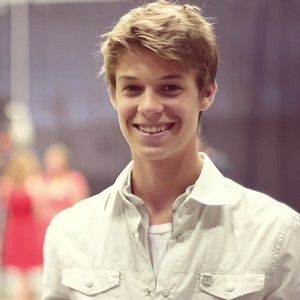 Colin Ford cute