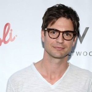 who is gale harold dating The top official at mensa, the society for people with high iqs, made thousands of pounds by running a business from the organisation's headquarters, an industrial tribunal was told yesterday harold gale used his position to increase subscriptions to his own magazine and sold puzzles to newspapers.