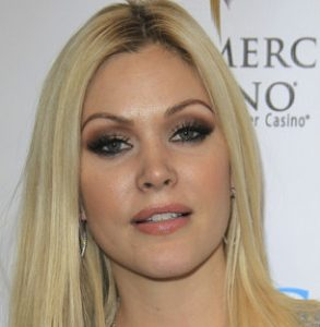 Who is shanna moakler dating 2014. reddit texting your former crush while dating someone else.
