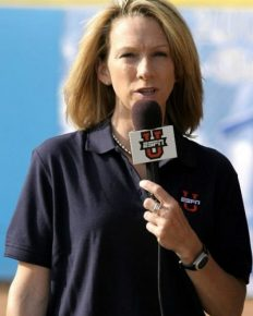 Beth Mowins is busy advancing her career and keeping the personal life apart