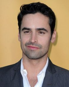 Jesse Bradford is Still Dating His Rapper Girlfriend or single now?
