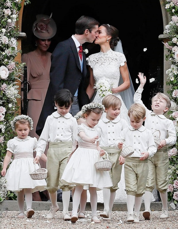 4ec146b3efaf Prince George and Princess Charlotte on Aunt Pippa Middleton s Wedding   Stealing the Show with adorable look. See for yourself!