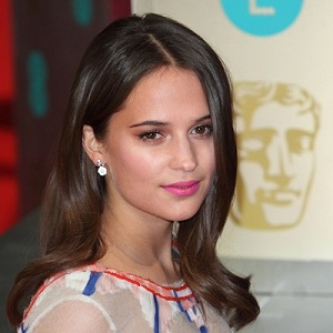 is alicia vikander pregnant