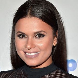 Joy Taylor Bio Married Net Worth Salary