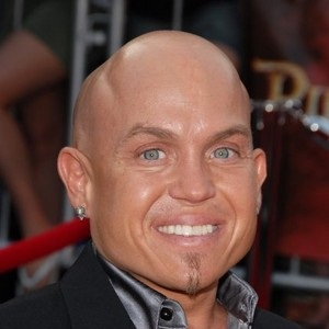 Martin Klebba Biography - Affair, Married, Wife, Ethnicity ...