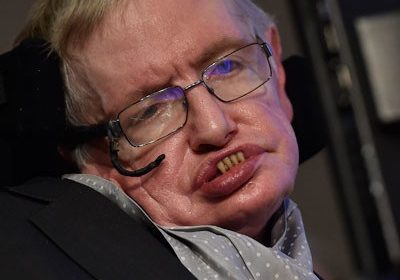 One Of The Greatest Scientist Of The Time, Stephen Hawking Says That Human Race Is Doomed If We Do Not Colonize The Moon and Mars