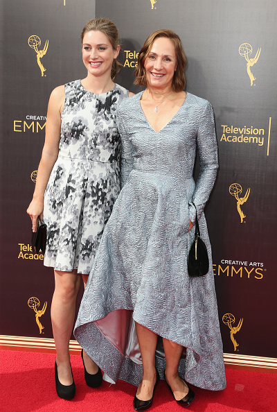 Zoe Perry And Laurie Metcalf Frederick M Brown Stringer