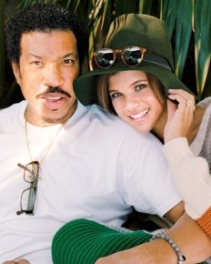 Protective Daddy! Sofia Richie Reveals Her Dad Lionel Richie Tracks Her Cell Phone After Those FaceTime Pics in Cannes! All the Details about Cannas!!