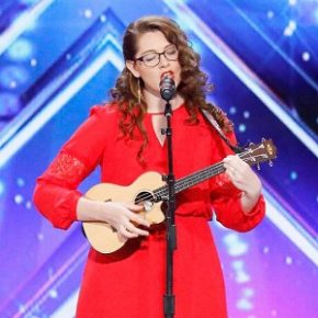 Stunned Simon Cowell blown away by deaf singer Mandy Harvey and her incredible audition on America's Got Talent