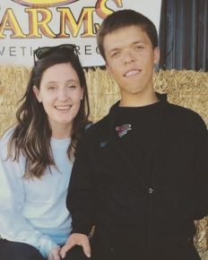 """""""Little People Big World"""" star Zach Roloff's wife Tori Roloff shares a picture of her weight-loss after successfully giving birth to her first baby"""