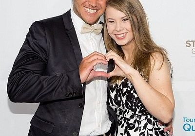 "Relationship Goals! Boyfriend Chandler Powell wishes Bindi Irwin with a lovely message in her 19th Birthday via instagram ""Loving you will always be the greatest blessing"""