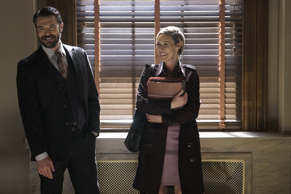 Charlie Weber is dating his co-star Liza Weil after ...