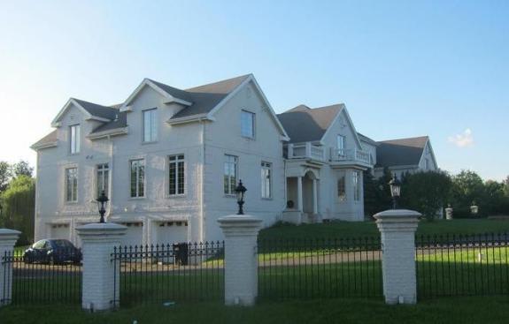 Source:Empureboobokitty (Huger's new house in VA)