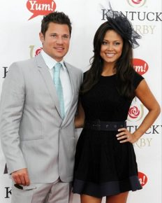 Love Is In The Air!! From Finding Her Ring From Garbage To Giving A Lovely Tribute To Wife Vanessa, on Their Sixth Anniversary, Nick Lachey Totally Knows To Cherish And Pamper His Girl At The Level Best
