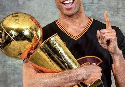 The Basketball player, Richard Jefferson is thinking of retirement for the second time. Will he really retire or change his mind like the first time? All about his personal and professional life