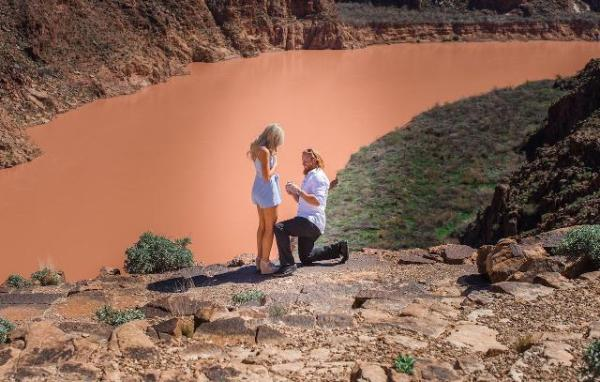 Source: MLB (Justin proposing to Kourtney at the Great Canyon)