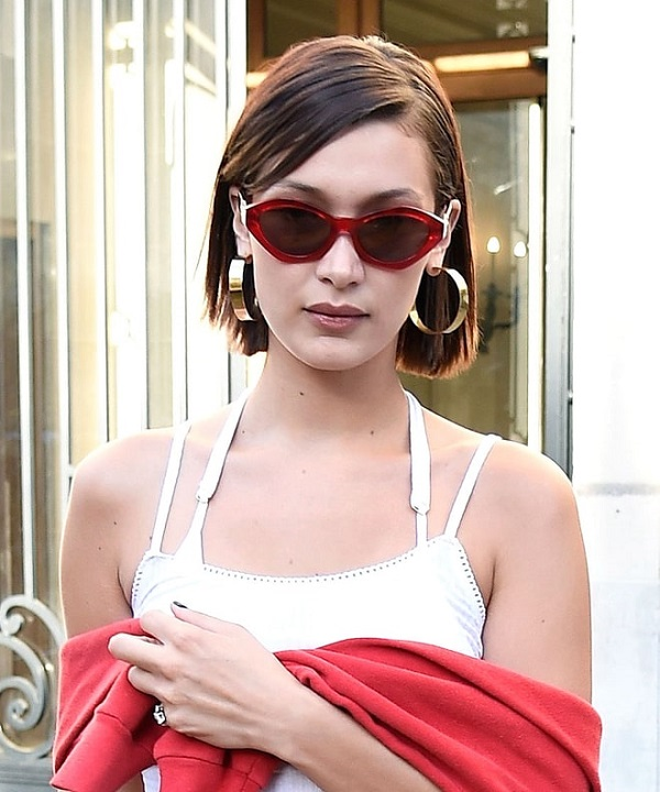 Bella Hadid Check Out The Amazing Hairstyles In Her Short Hair With Pictures Married Biography