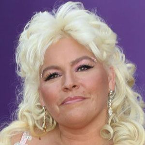 Porn pics of beth chapman, kendall from barter kings without a bra