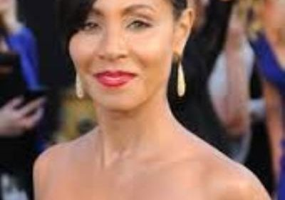 What is inside Jada Smith's bag? What keeps her marriage going on for so many years? Learn the secrets here!