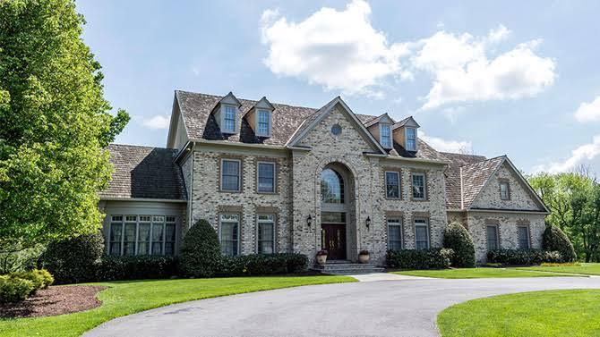 Source: Variety. com (Huger's old Potomac mansion)