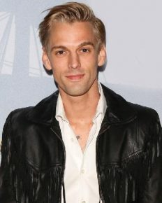 Aaron Carter splits from his girlfriend Madison Parker after less than a year of dating affair. The reason is said to be bisexual Aaron!