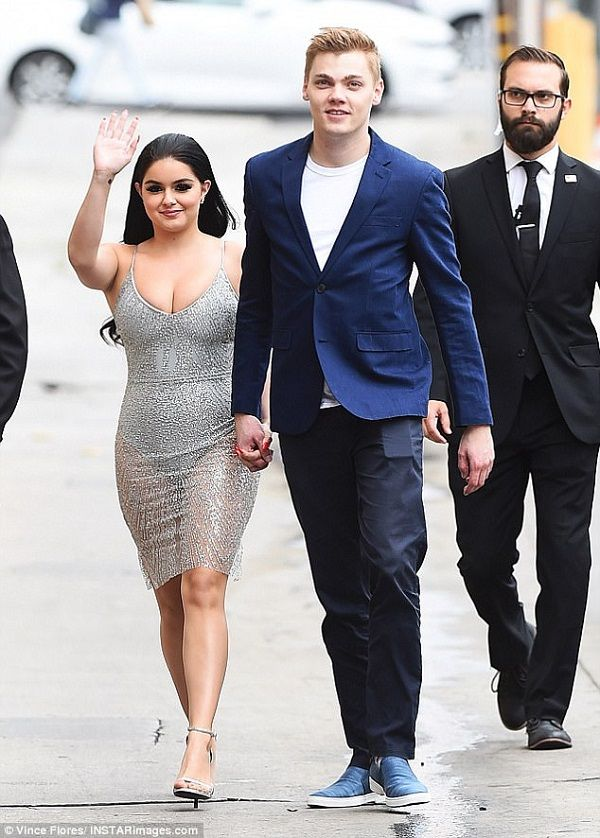 Source: Daily Mail (Ariel Winter and Levi Meaden)