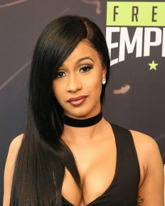 Some Facts About The Rapper Cardi B You Probably Don't Know About!! Reached To The Top 10 With Her First Try Debut Single