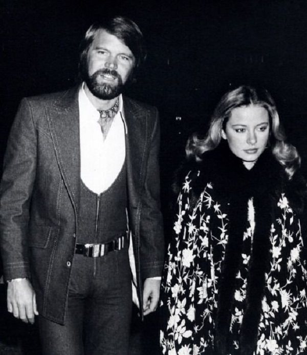 Source: frost Snow (Former Couple Sarah Berg and Glen Campbell)