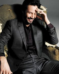 Keanu Reeves, a talented actor dappled with an unknown woman. Is dating a woman or gay?