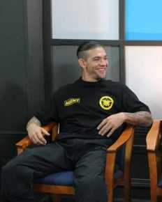 Is Leland Chapman single or in relationship with Lynette after his divorce with Maui Chapman?