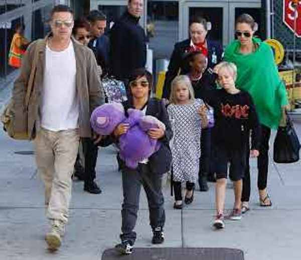 Source: Daily Mail (Brad Pitt with his 6 kids)