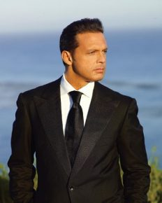 Life in disharmony! Mexican singer Luis Miguel suffers career setback due to his tinnitus and legal suit against him!