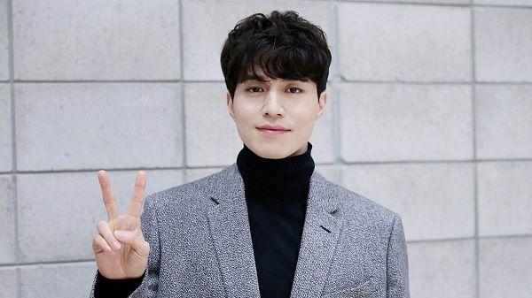 Source: soompi.com (Lee Dong Wook as the Grim Reaper)