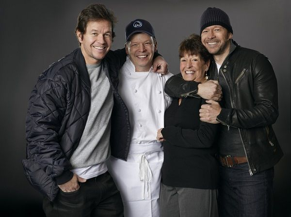 Mark Wahlberg with his family