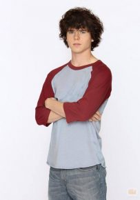 Actor, Charlie McDermott who did not had any motivation to study but thanks to his great performing ability that made him recognize all over the world today!!