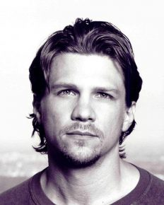 Wondering about American actor, Marc Blucas and his wife Ryan Haddon an American journalist? Know more about their personal life!